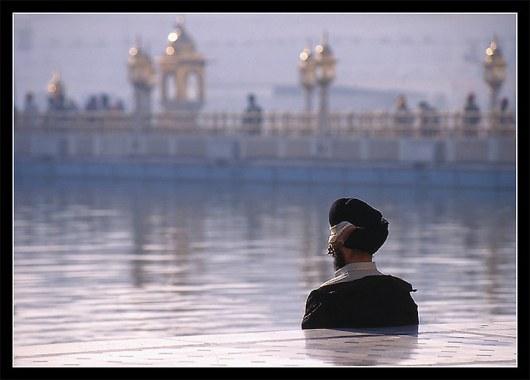 Безмолвная молитва, Амристар, Индия.